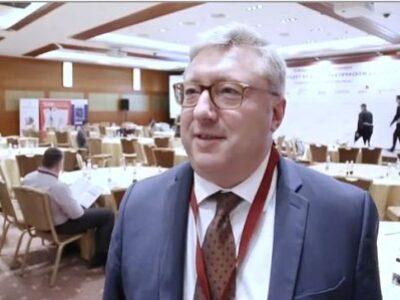 Интервью Виктора Дмитриева в колуарах конференции «Что происходит на фармацевтическом рынке»