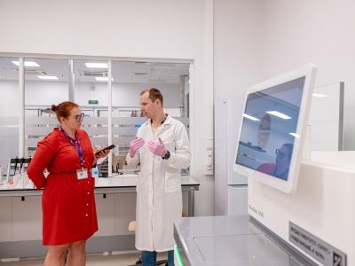 Ученые и студенты Технологического университета «Сириус» будут проводить исследования на самом высокопроизводительном в мире секвенаторе